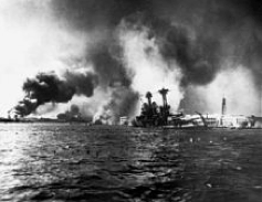 File source: http://commons.wikimedia.org/wiki/File:USS_California_sinking-Pearl_Harbor.jpg